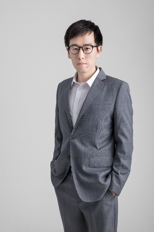 Dr. Chasel Huang